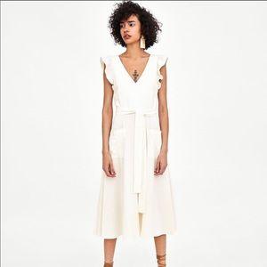 New Zara linen white dress with butterfly shoulder